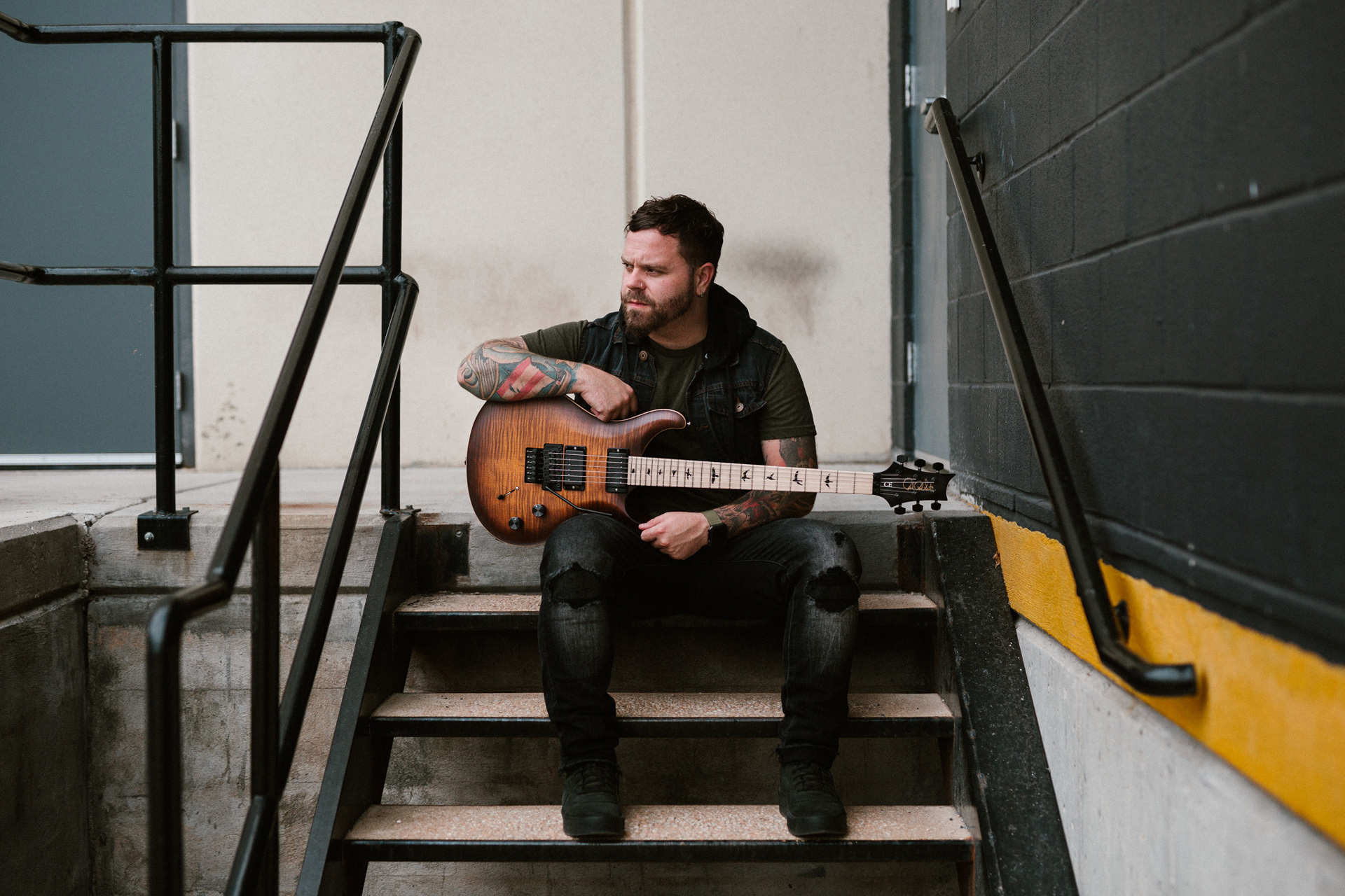 Between The Buried and Me Dustie Waring with PRS DW CE 24